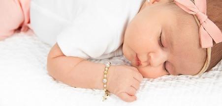 Jangan Asal, Ini Tips Memilih Perhiasan untuk Bayi