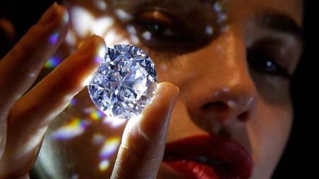 Mau Beli Berlian? Perhatikan Dulu Hal Ini