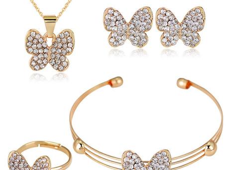 Tips Membeli Perhiasan untuk Anak yang Aman