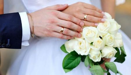 8 Model Cincin Emas 24 Karat Cantik dan Elegan