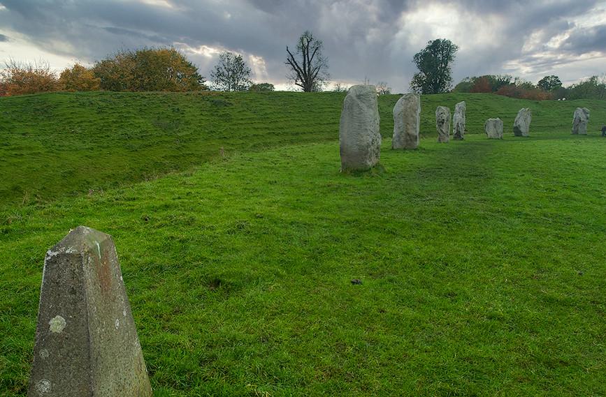 Views of Avebury & Individual Stones 36