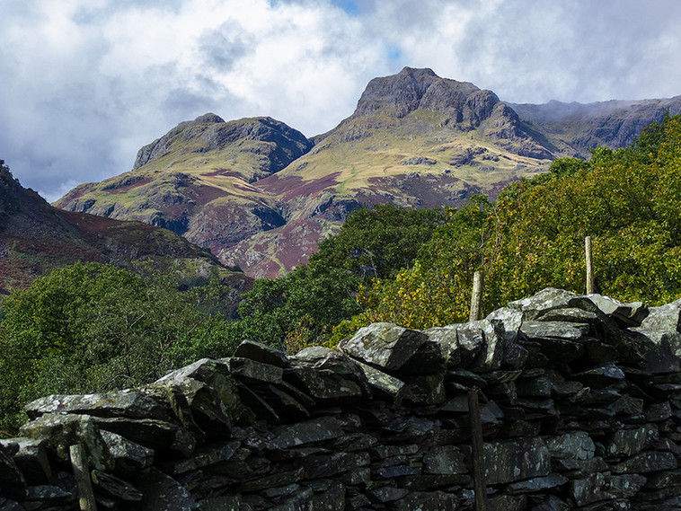 Thorn Crag (left) & Harrison Sickle (right) from B5343 03