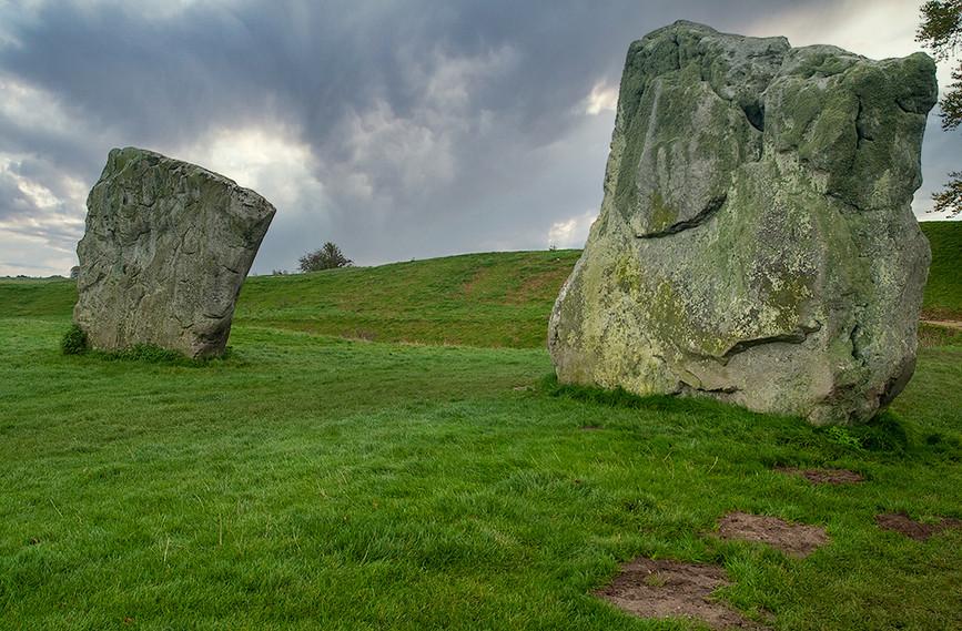 Views of Avebury & Individual Stones 33