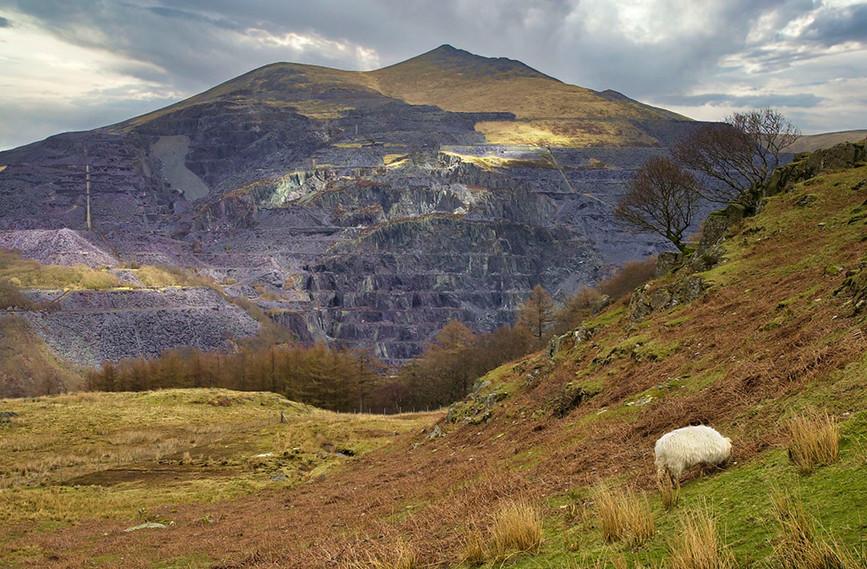 Dinowic Slate Mine from the Llanberis path