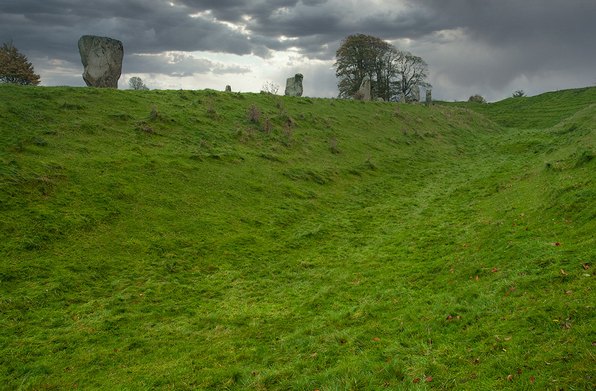 Views of Avebury & Individual Stones 19