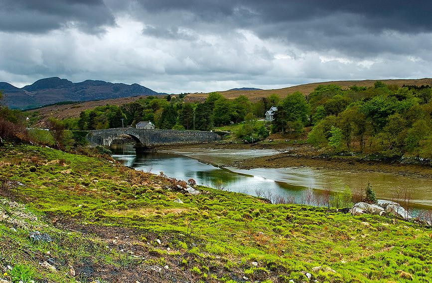 Lackagh Bridge over Lackagh River, Crees