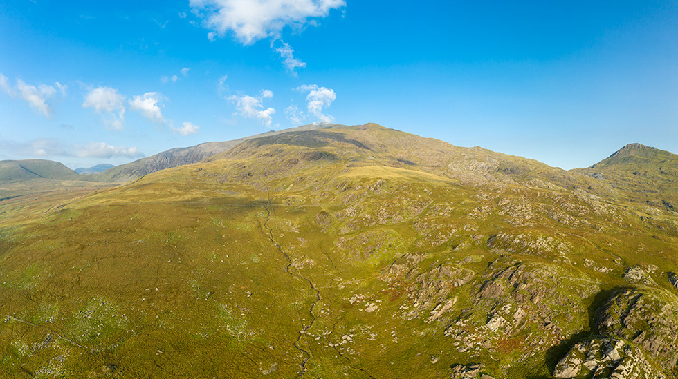 View towards the south slope of Mount Snowdon