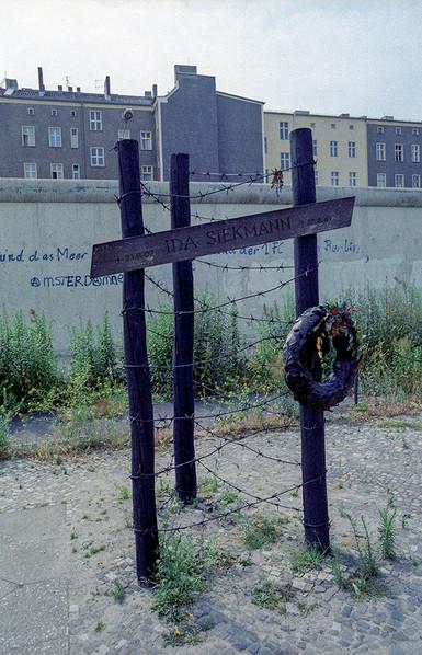 Memorial to Ida Siekmann 1961