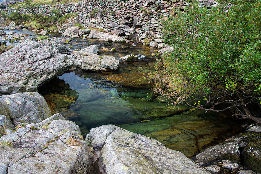 Details of the Nant Peris River 04