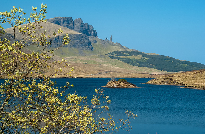 Old Man of Storr across Loch Leathan 02