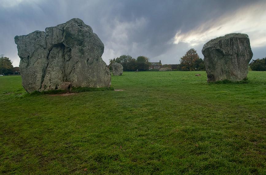 Views of Avebury & Individual Stones 32