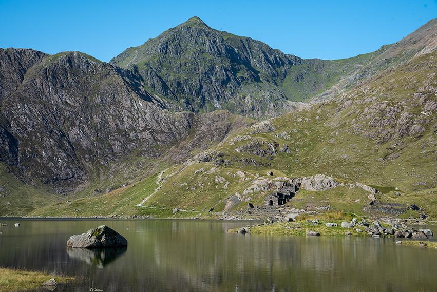 Mount Snowdon across Llyn Llydaw 01