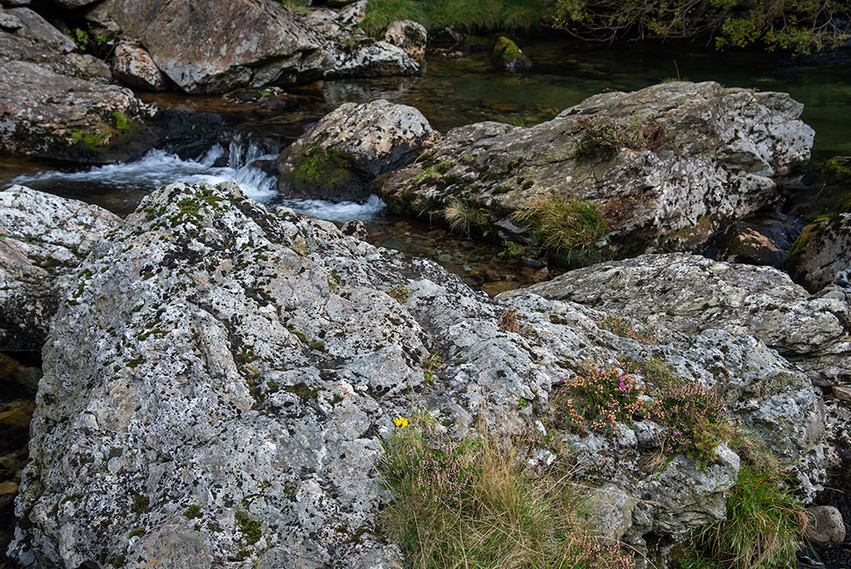 Details of the Nant Peris River 06