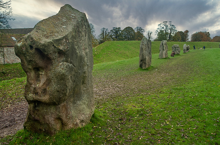 Views of Avebury & Individual Stones 02