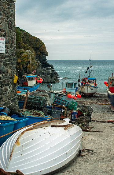 Fishing boats and lobster pots 02