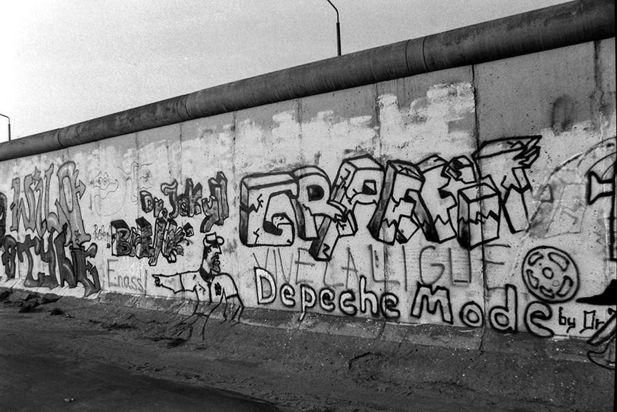 Graffiti on the Wall 44