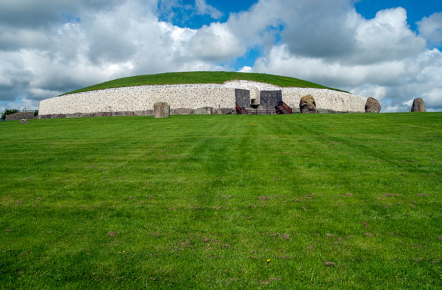 View of Newgrange Site from the SW 03
