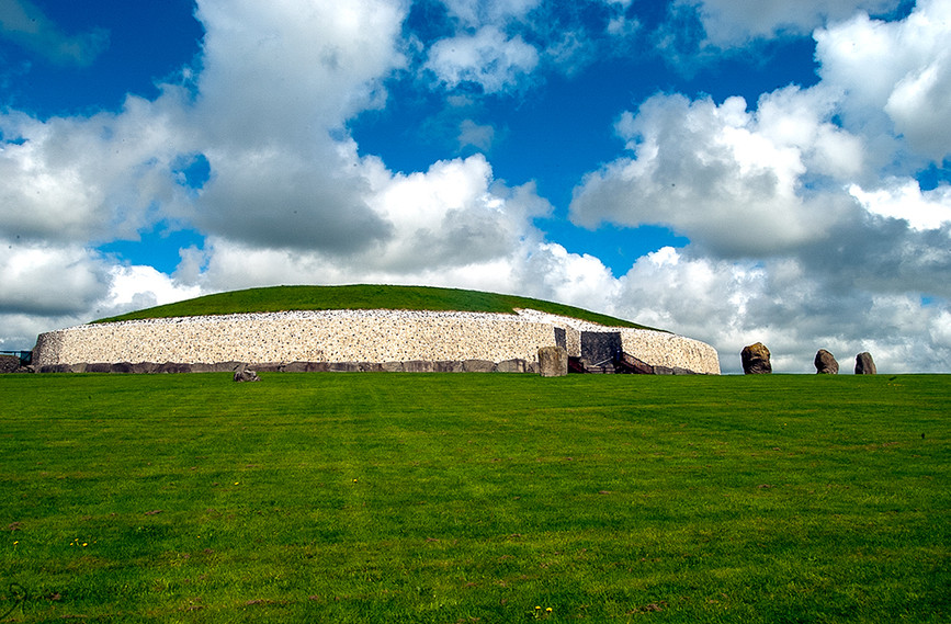 View of Newgrange Site from the SW 02