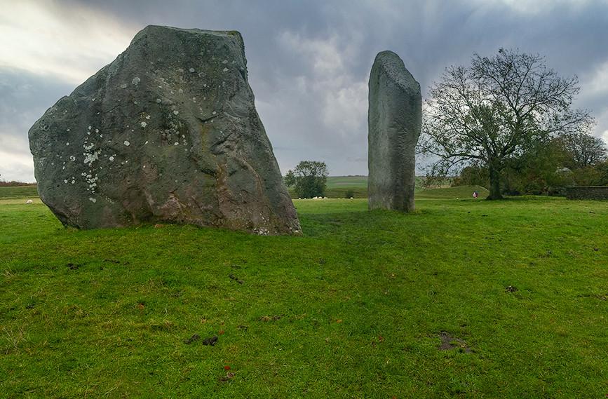 Views of Avebury & Individual Stones 08