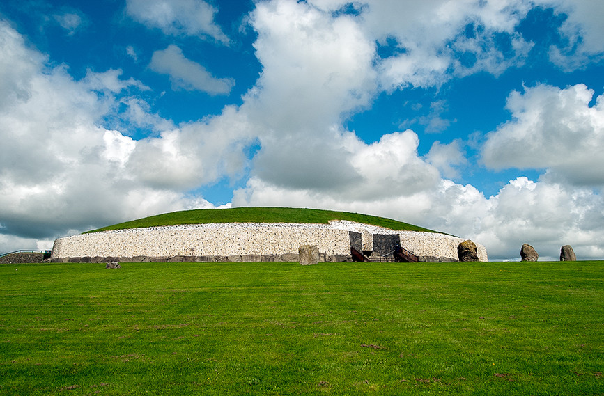 View of Newgrange Site from the SW 01