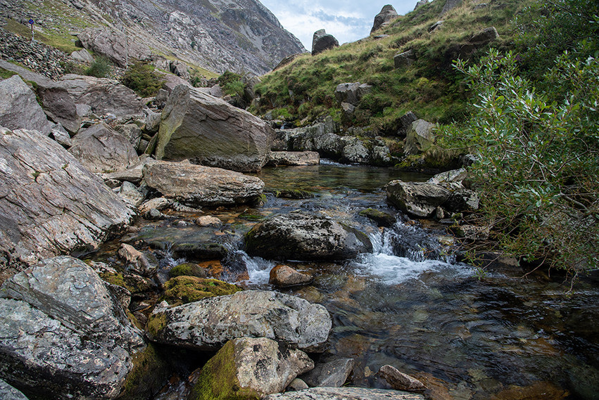 Details of the Nant Peris River 19