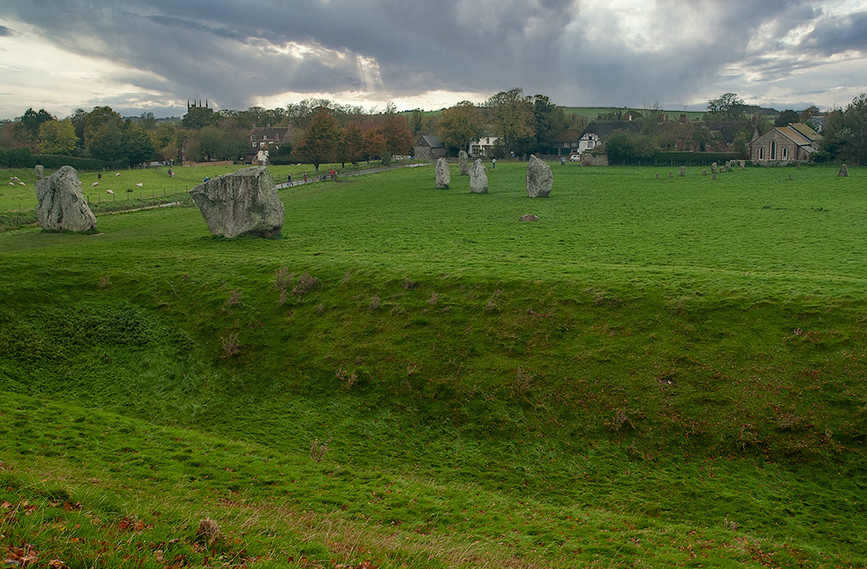 Views of Avebury & Individual Stones 31