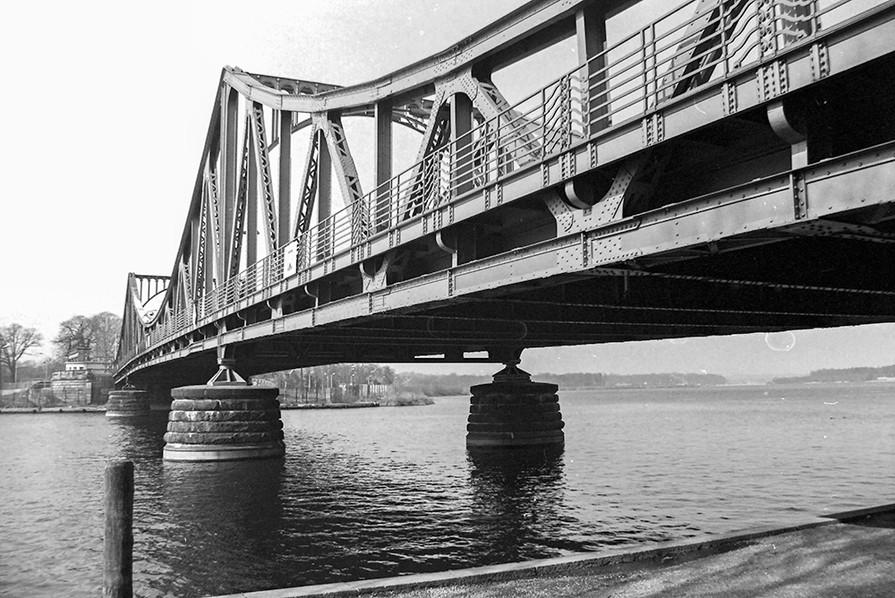 Glienicke Bridge (Glienicker Brucke) across the River Havel 02