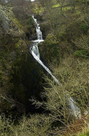 Ceunant Mawr Waterfall 01