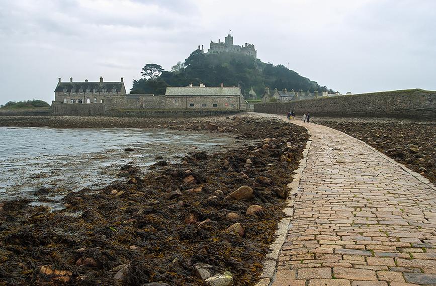 Causeway across to St Michael's Mount 01