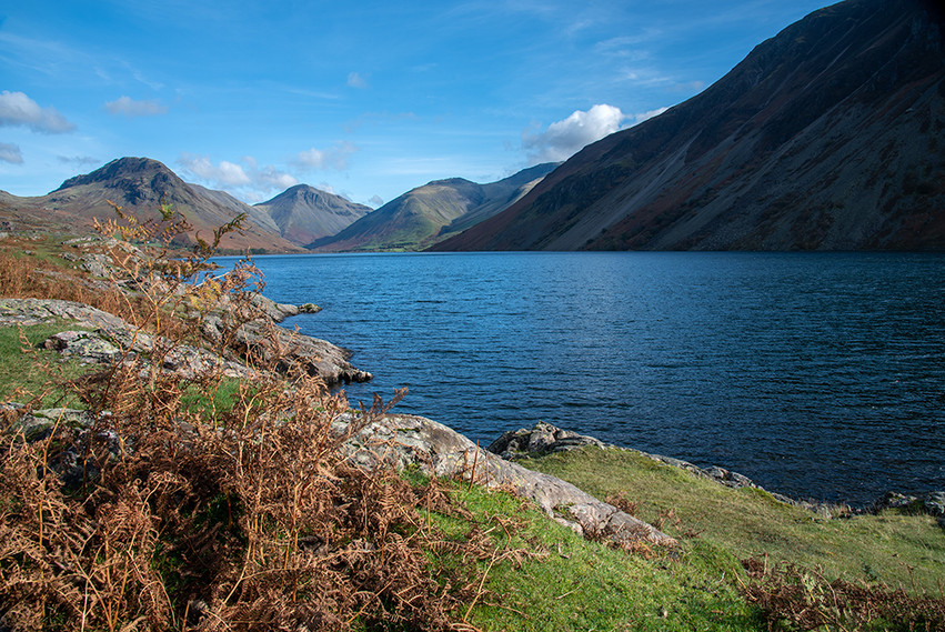 View north along Wastwater (l-r Yewbarrow, Great Gable & Scafell Pike) 01