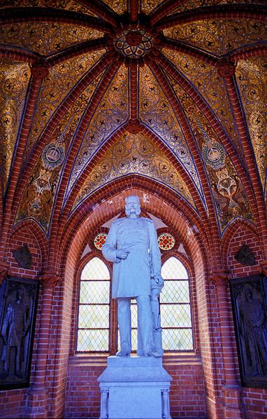 Statue of Kaiser Wilhelm I, Grunewaldturm 01