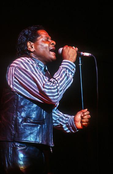 Roy Walker (fronting Otis Grand) 04pg