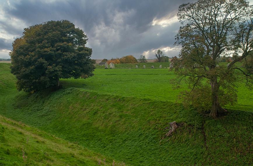 Views of Avebury & Individual Stones 28