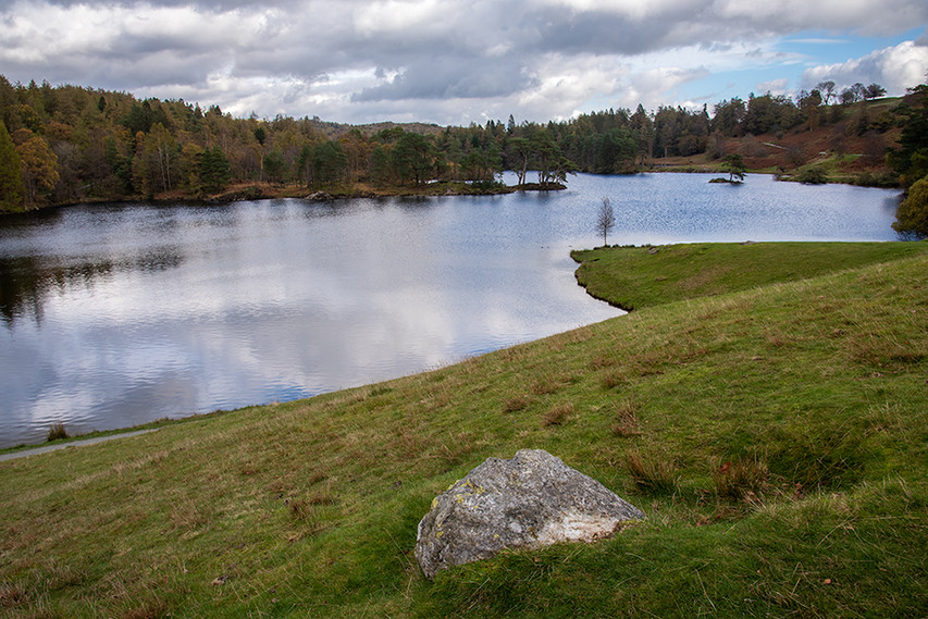 Tarn Hows from the soutwest 01