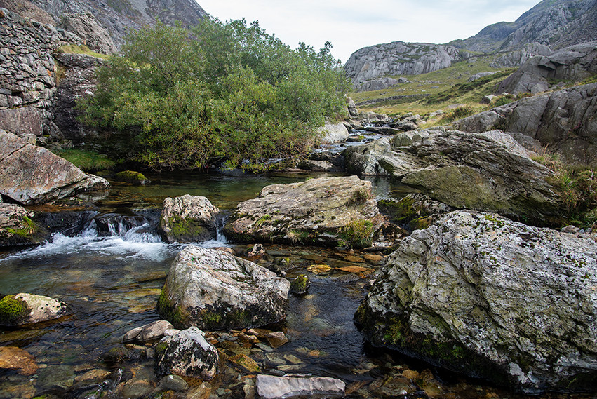 Details of the Nant Peris River 07