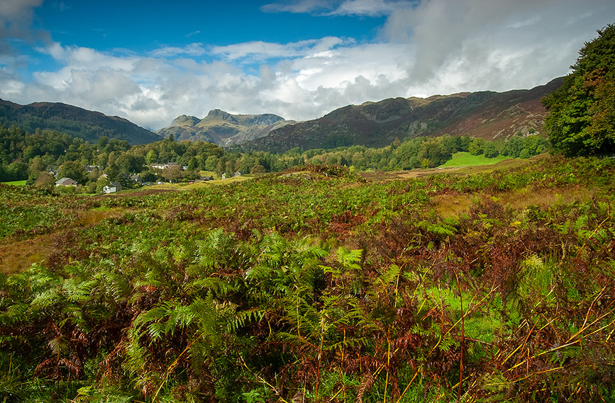 Langdale Pikes from Elterwater 01