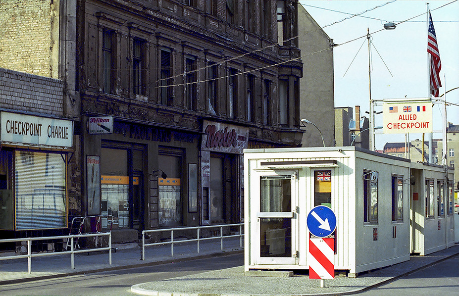 Allied Checkpoint Charlie 02