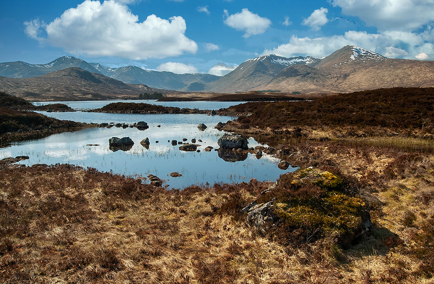 Lochan na h-Achlaise with Meall Beag (right) & Mon (left) (Am Monadh Dubh or Black Mount) in background, Rannoch Moor