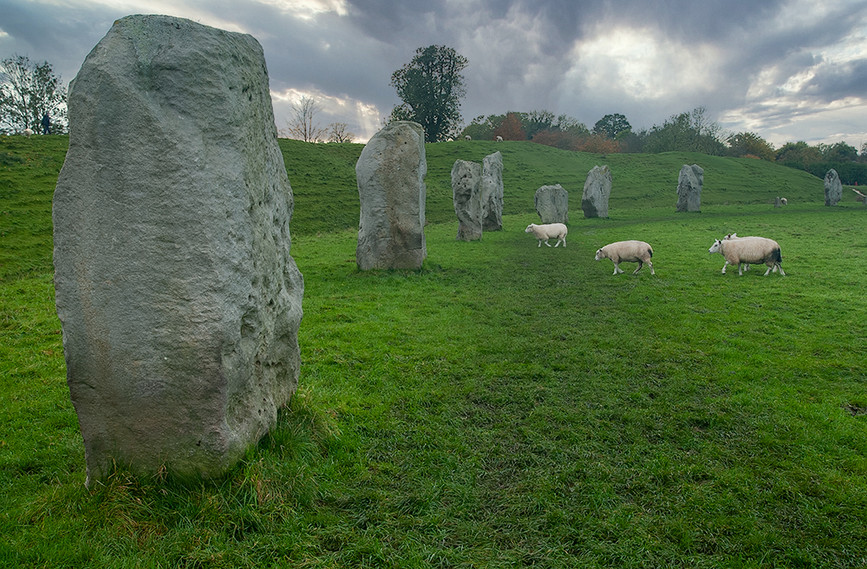 Views of Avebury & Individual Stones 17