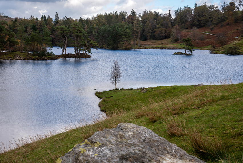 Tarn Hows from the soutwest 02