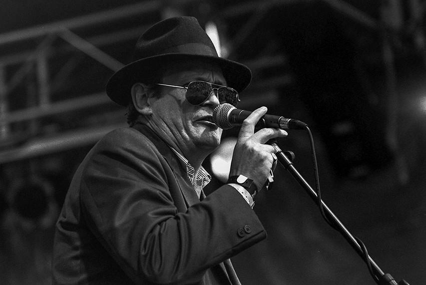 Blues 'n Trouble 01 - Tim Elliott.jpg