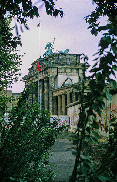 Brandeburg Gate (Brandenburger Tor) 07