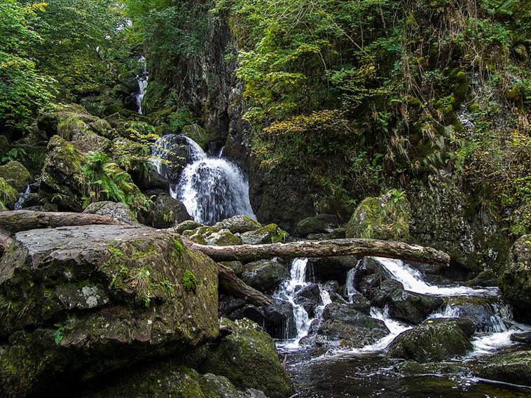Lodore Falls 06
