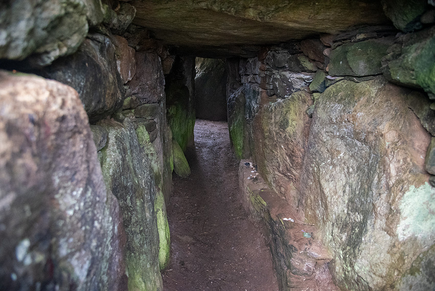 Passage looking into tomb 01