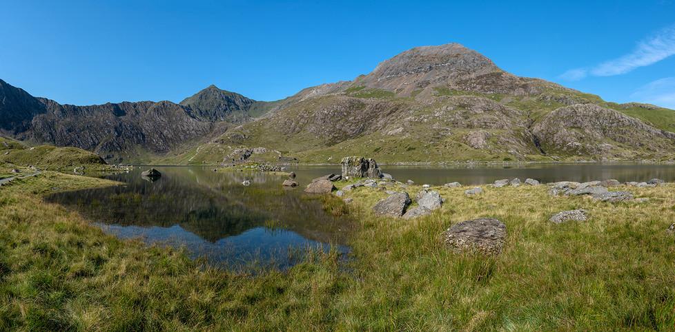 Horizontal Pano of reflection of Mount Snowdon in Llyn Llydaw 01
