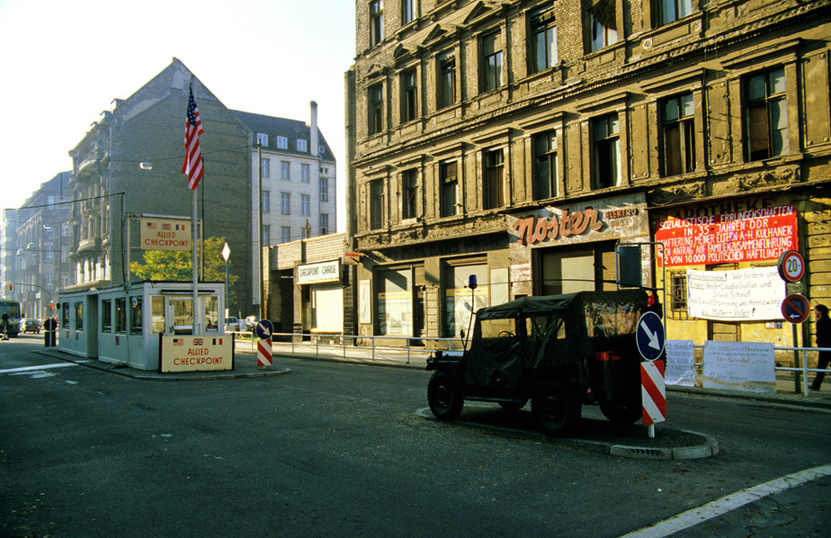 Allied Checkpoint Charlie 01