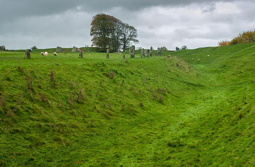 Views of Avebury & Individual Stones 01