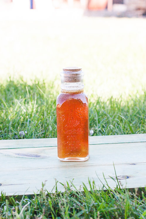 1 Lb (453.59g) Glass Muth Raw Honey with Cork top
