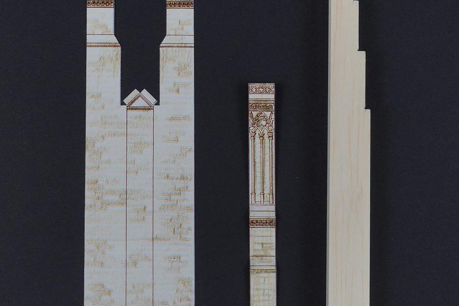 Elementy przypór gotowe do sklejenia i zamontowania na bryle zachodnich wież.