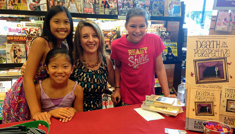 Author Larissa Reinhart at Barnes & Noble signing